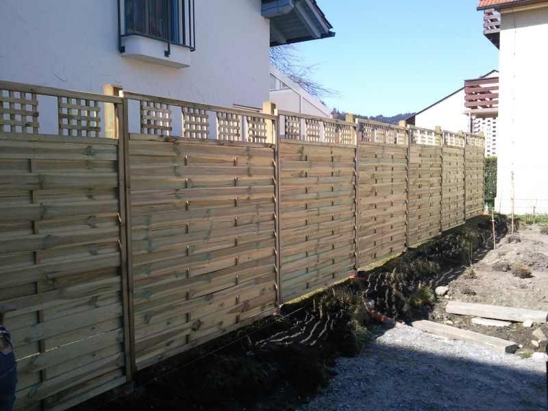 Sichtschutz mit Holzelementen